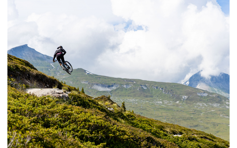 bike_riders_hotel