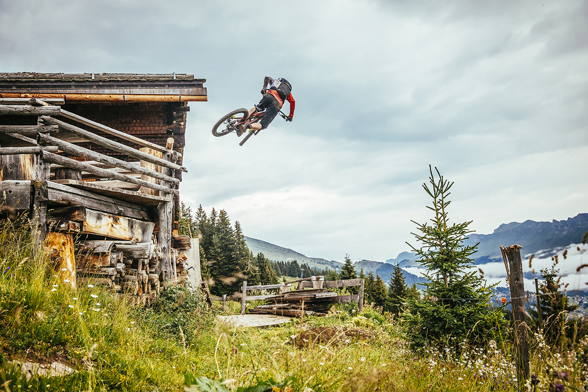 Home of Trails mit Danny MacAskill by Martin Bissig
