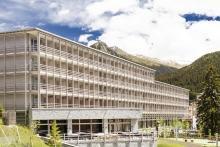 ameron_swiss_mountain_hotel_davos_-_fassade_sommer_0927_kl.jpg