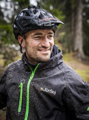 Laax Flims Regenbiken Claudio Caluori