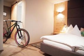 Dieschen Bike Hotel Package