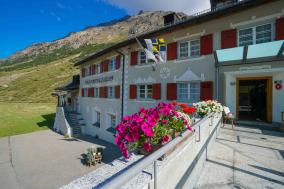 Gasthaus und Hotel Berninahaus Introbild