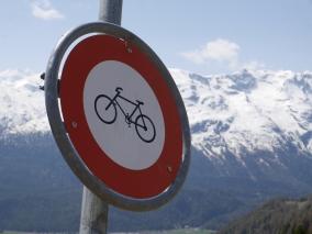 Bike-Verbot auf Alp Munt in Samedan