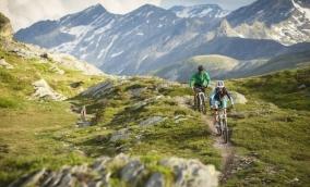 Hotel Post Bivio: Biking Surses