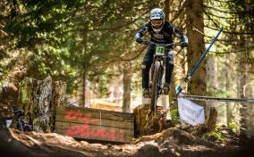 Klaus fährt auf Rang zwei im Downhill-WC Lenzerheide 2019