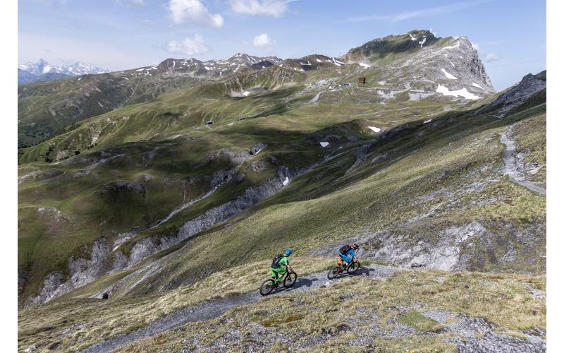 Aufstieg in Richtung Chörbschhorn auf der Bahnentour Davos Klosters