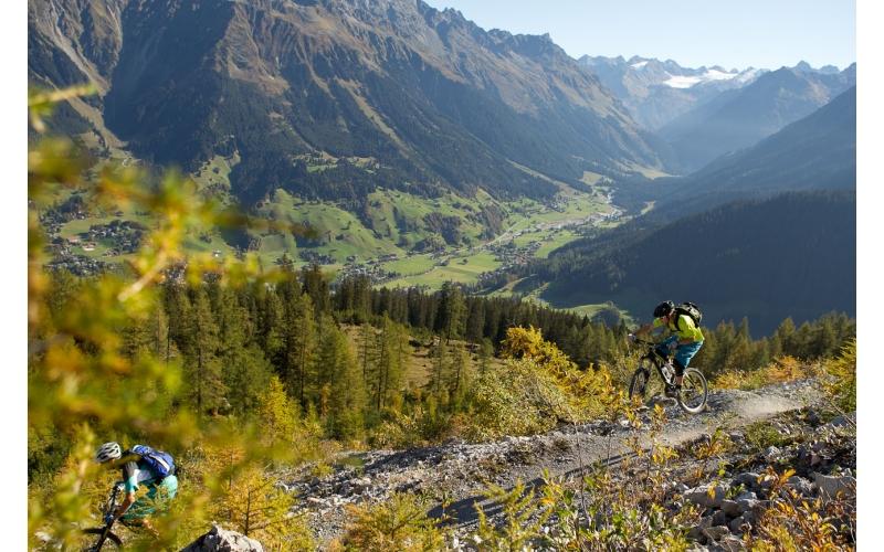 Singletrail beim Gotschnaboden auf der Bahnentour Davos Klosters